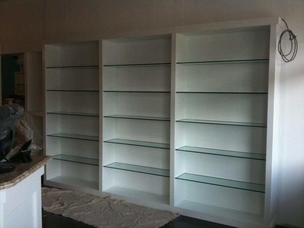 Custom glass shelving custom glass display cases or cabinets for Custom transom